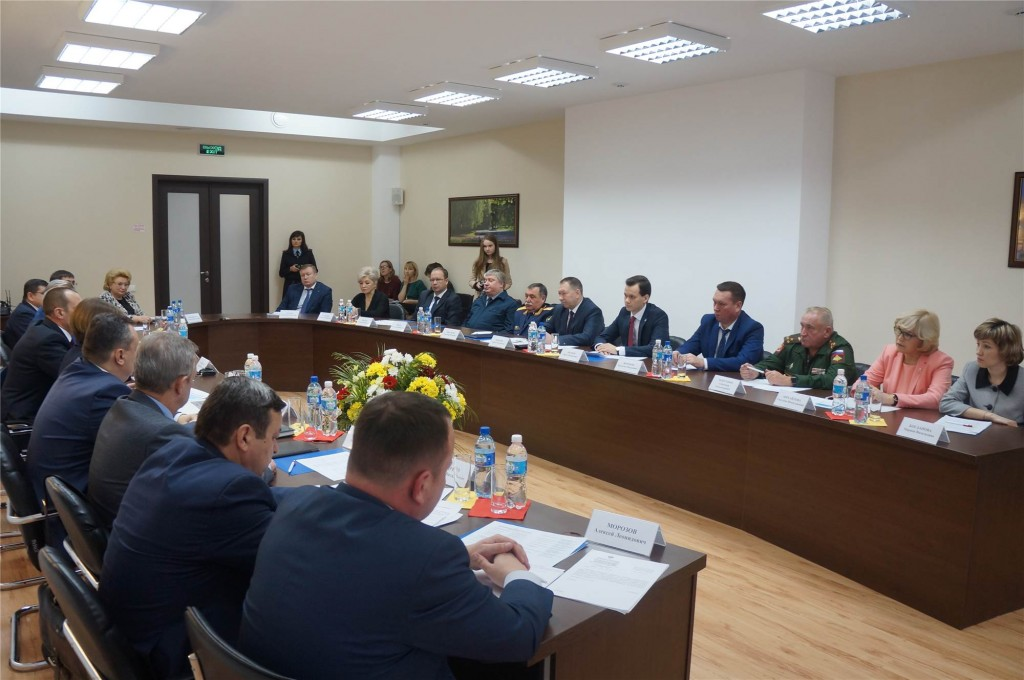 Встреча Главы Чувашии с руководством органов юстиции республики, приуроченная ко Дню юриста, 2017 год.